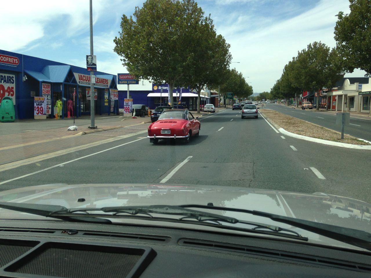 301a251413566068c36f287c.jpg - Ghia spotted on Bradman Drive