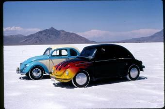 208.jpg - Buffel Coupe and Salt Flat street racer at Bonneville
